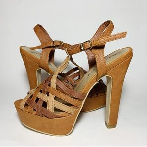 Steve Madden Strappy Tan Brown Platform High Heels